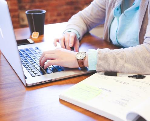 Ajuts destinats a fomentar l'emprenedoria femenina i la creació d'empreses per part de dones