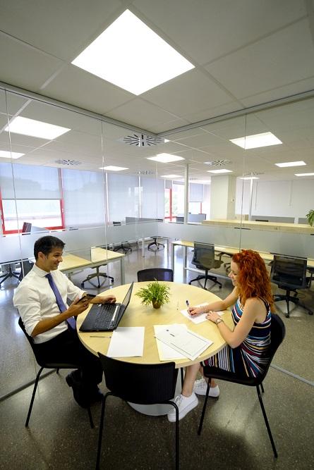 Serveis del Punt d'Atenció a l'Emprenedor (PAE) al Centre d'empreses PROCORNELLÀ